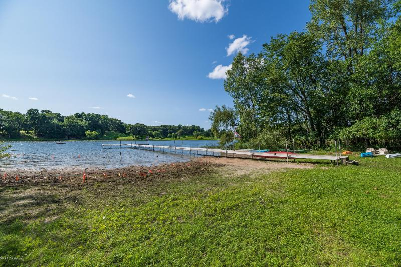Listing Photo for 3916 Bronson Boulevard
