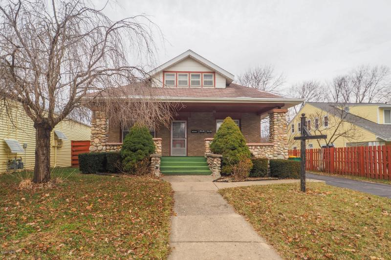 Listing Photo for 414 Capital Avenue