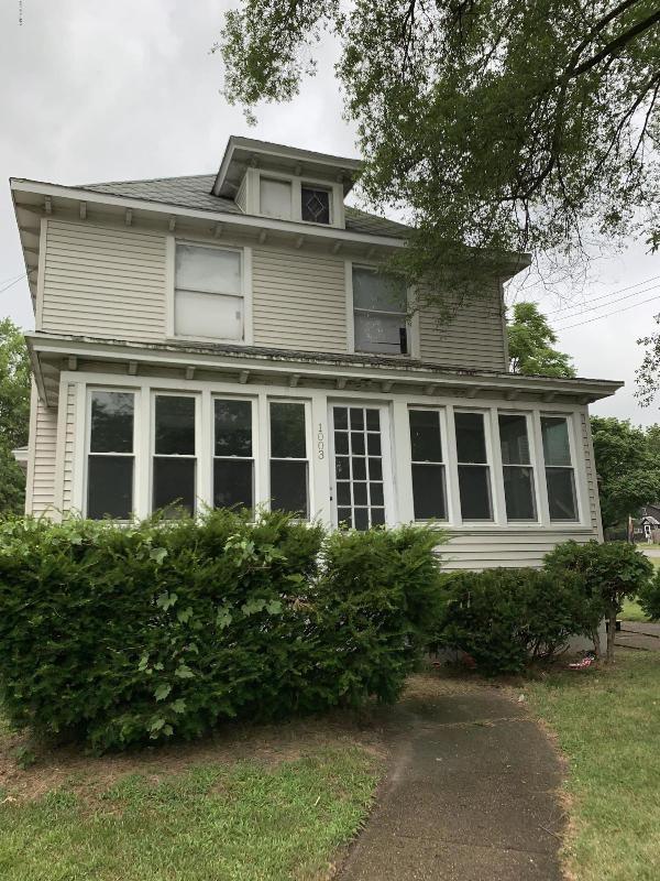 Listing Photo for 1005 Douglas Avenue