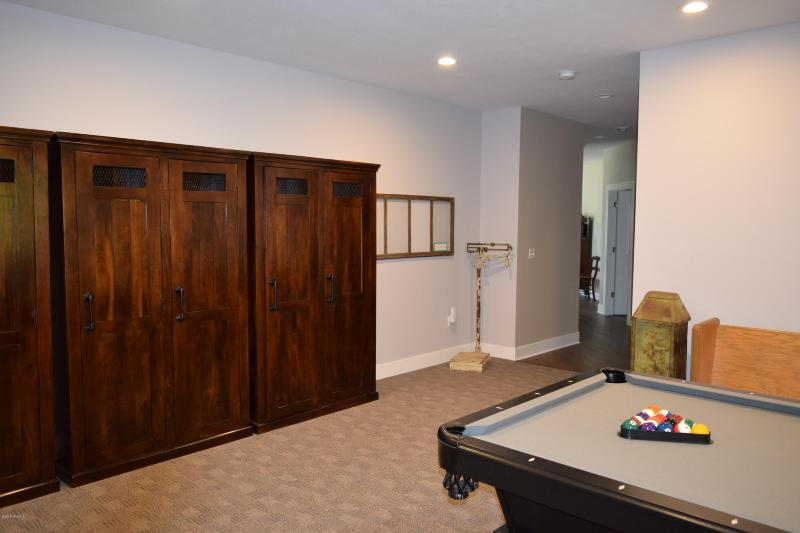 Listing Photo for 3088 S Van Wagoner Avenue Unit #5