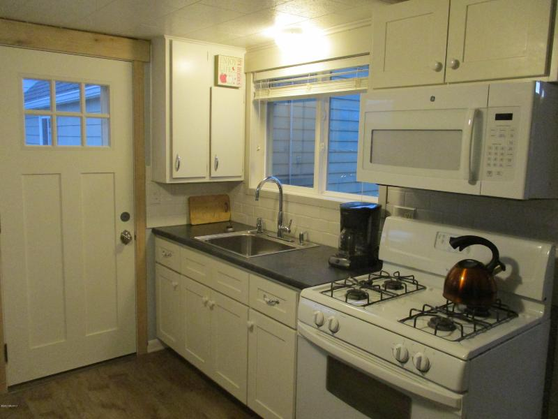 Listing Photo for 422 N Ferry Street Cottage 2