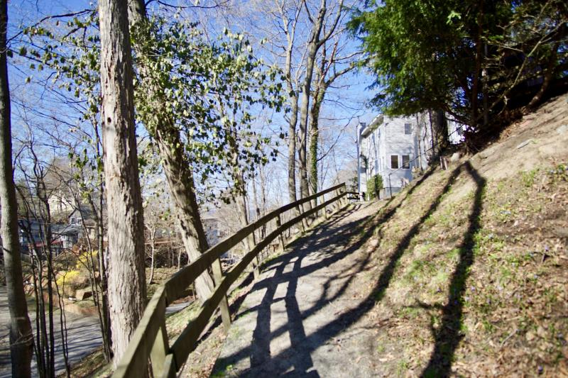Listing Photo for 27 Crescent Hill