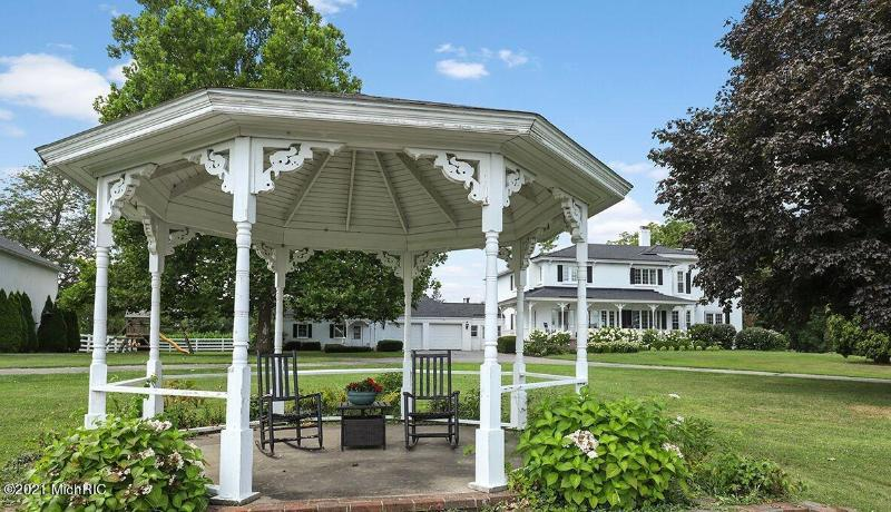 Listing Photo for 4300- 4344 4 Mile Road