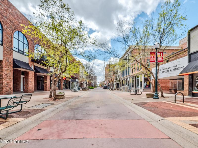 Listing Photo for 125 S Kalamazoo Mall 601
