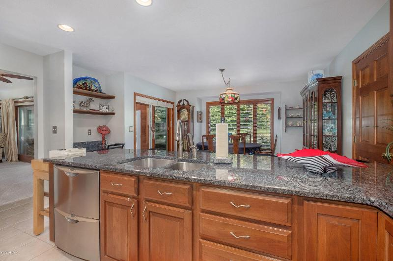 Listing Photo for 7085 114th Avenue