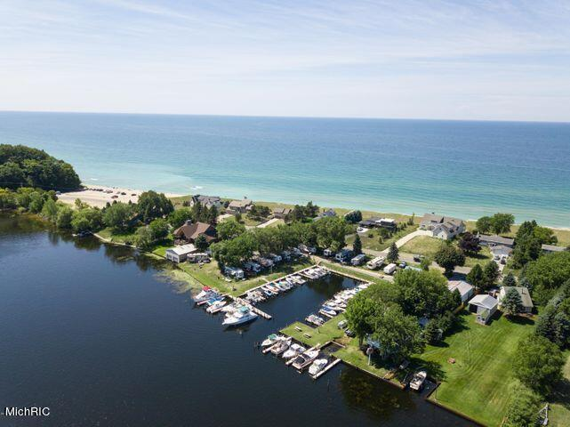 Listing Photo for 846 S Lakeshore Drive