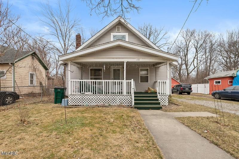 Listing Photo for 209 E Hazel Street