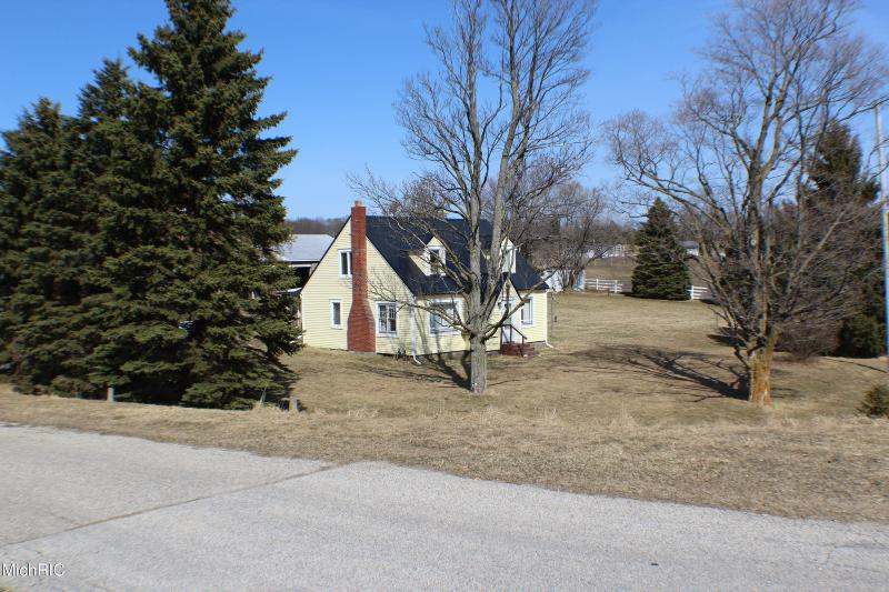 Listing Photo for 9170 W Remus Rd. Road