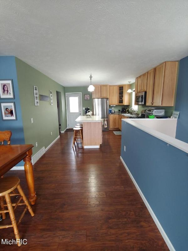 Listing Photo for 2795 N Mundy Avenue