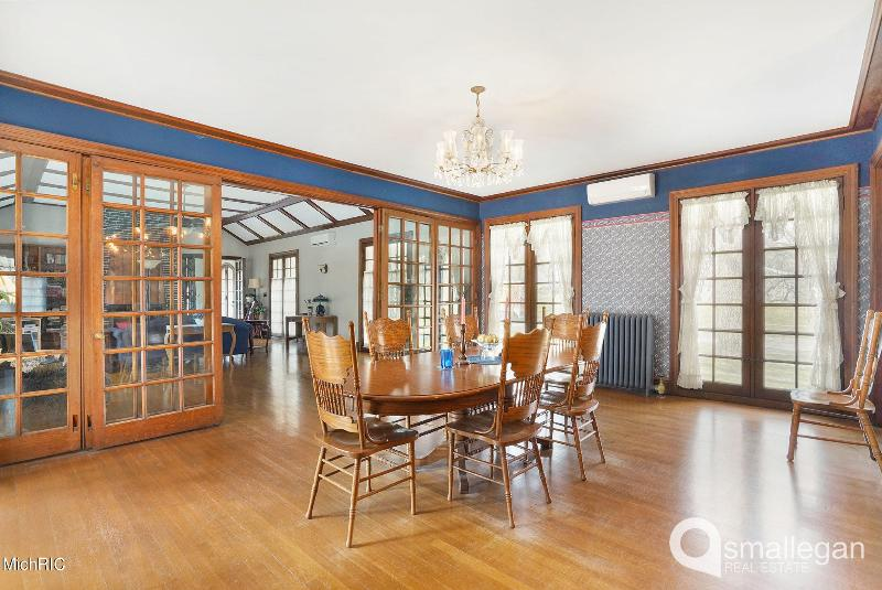 Listing Photo for 615 W Washington Street