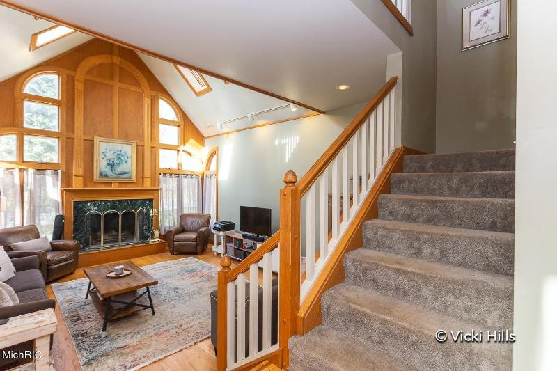 Listing Photo for 2950 W Glenlord Road