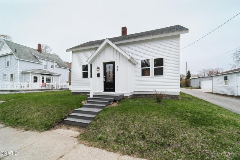 Listing Photo for 605 Fairview Avenue
