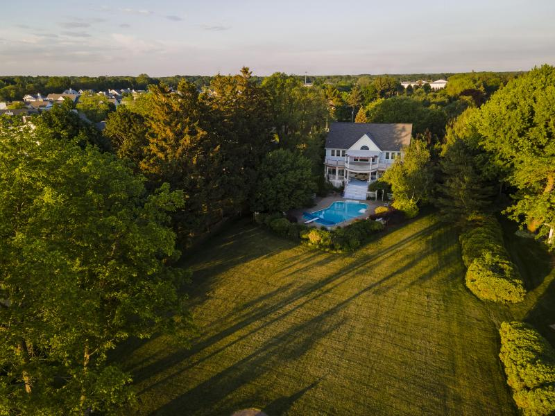 Listing Photo for 2699 Lake Bluff Terrace