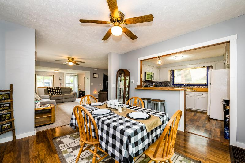 Listing Photo for 431 Paw Paw Avenue