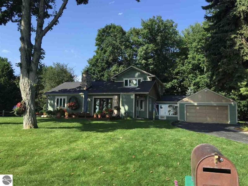 Listing Photo for 8179 East Shore Road