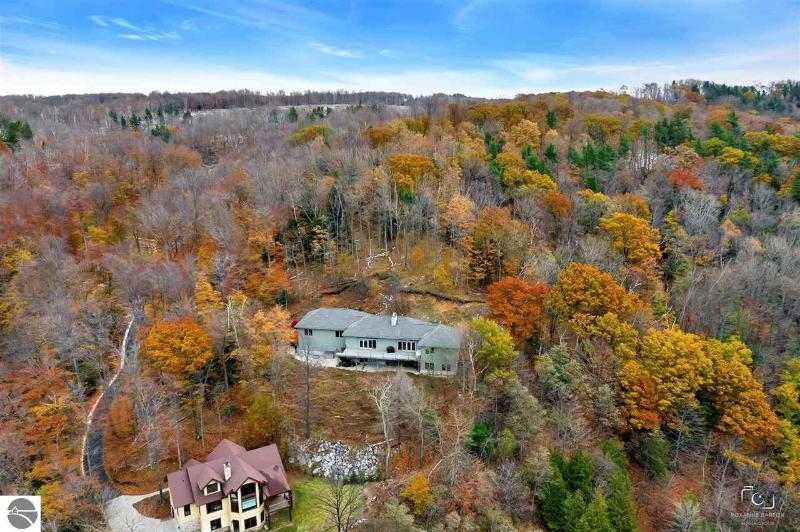 Listing Photo for 2850 White Birch Trail