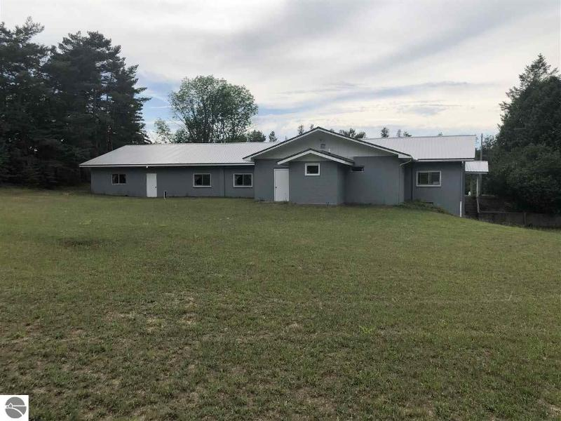 Listing Photo for 9243 S Maple City Road