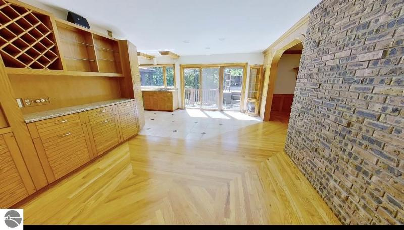 Listing Photo for 670 Aspen Court