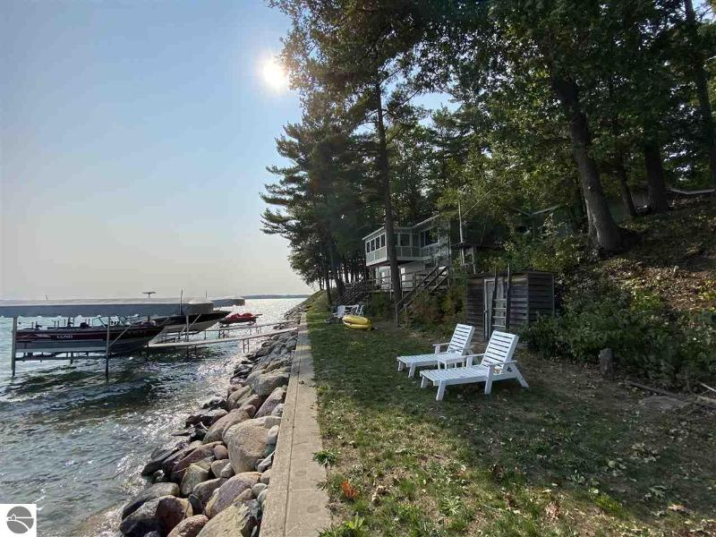 Listing Photo for 10842 Bluff Road
