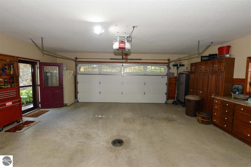 Listing Photo for 930 Huron Street