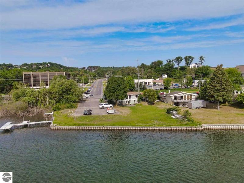 Listing Photo for 13999 S West Bay Shore
