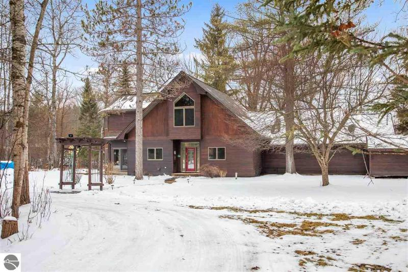 Listing Photo for 10023 Twin Bridge Road