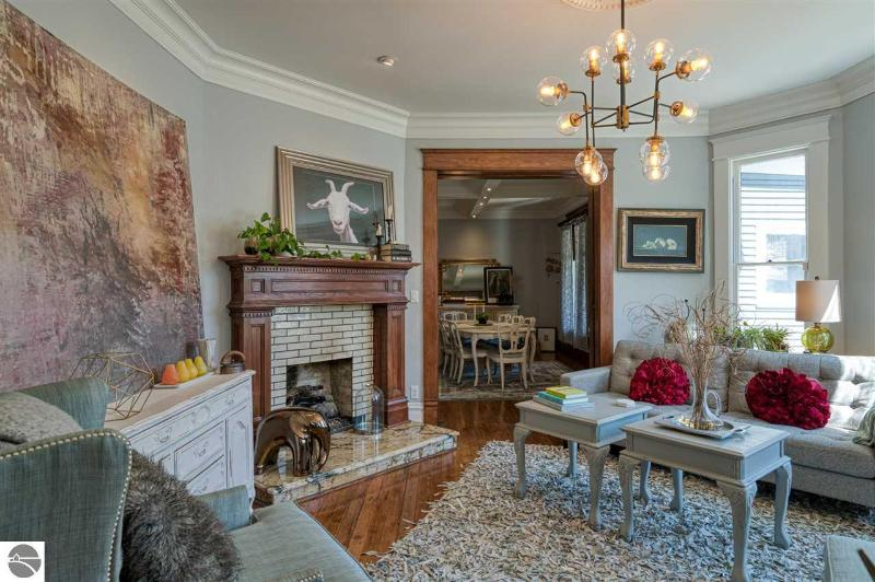 Listing Photo for 147 E Ninth Street