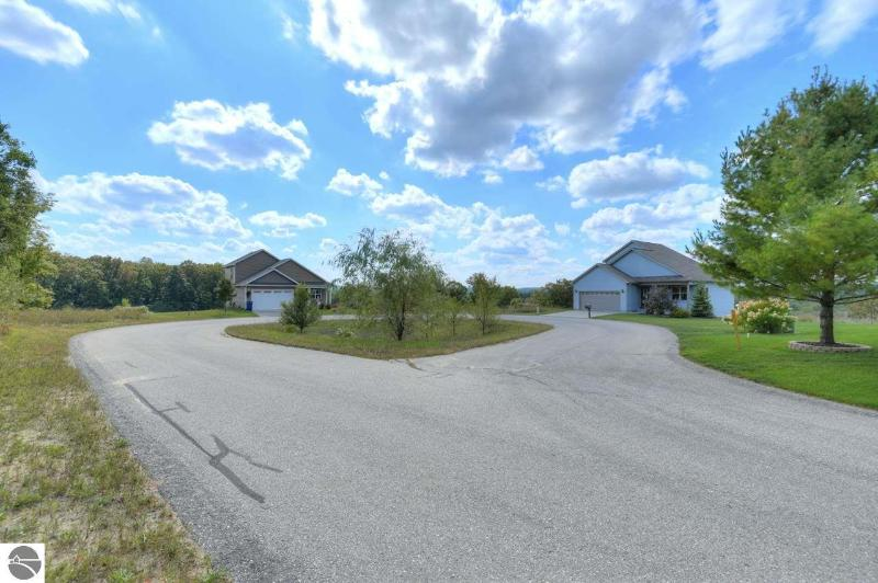 Listing Photo for 539 Kingsley Ridge Drive