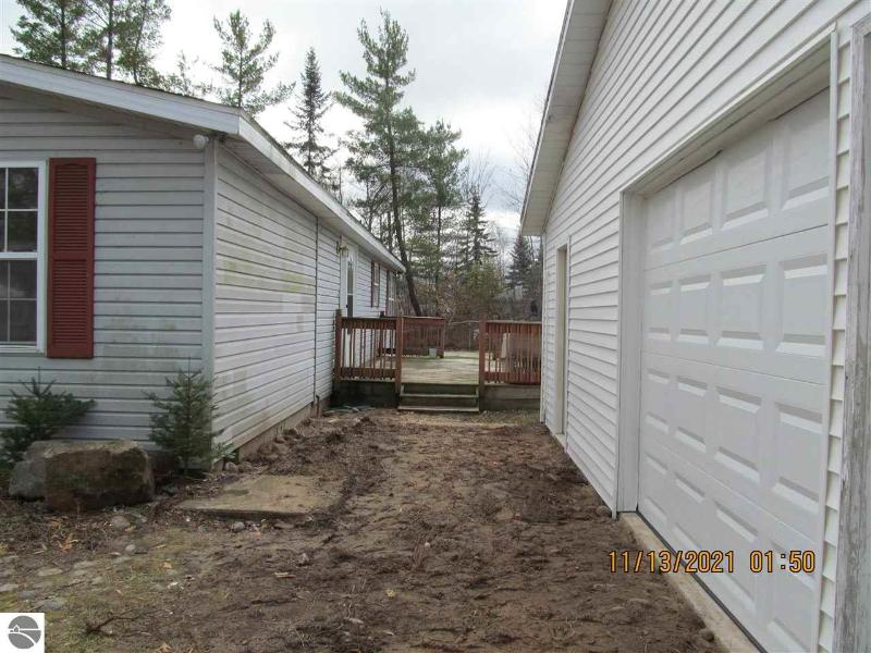 Listing Photo for 1425 E Houghton Lake Drive