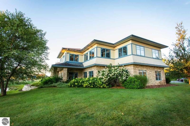 Listing Photo for 10691 E Carter Road