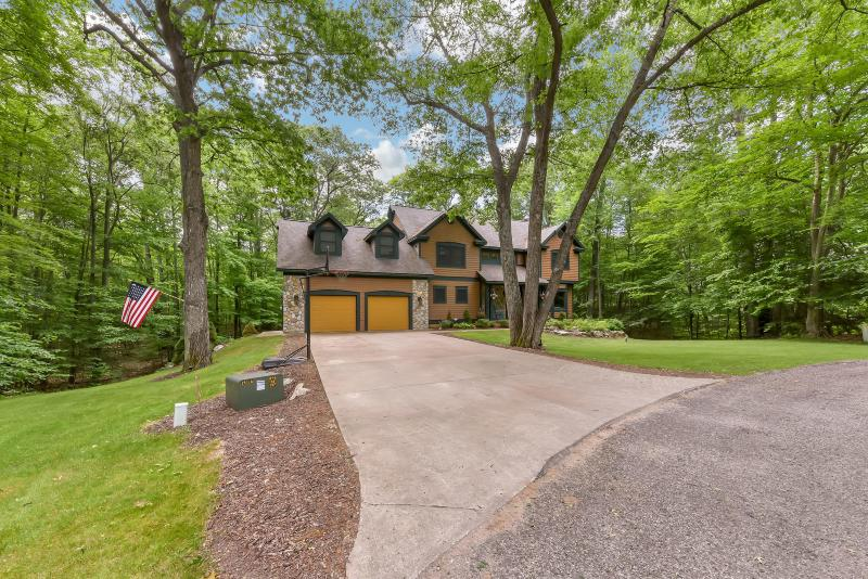 Listing Photo for 5482 Choctaw Court